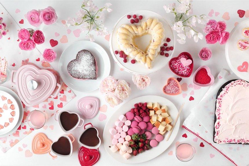 10 способов украсить десерты ко Дню святого Валентина