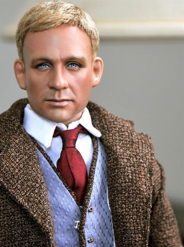 Из знаменитостей сделали куклы