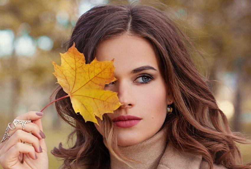 Берем на заметку: 17 тенденций окрашивания волос осенью 2021