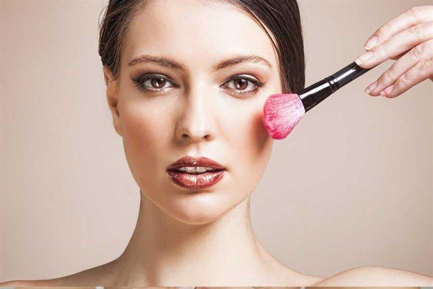 Секреты естественного макияжа работа девушка модель для фотосессий