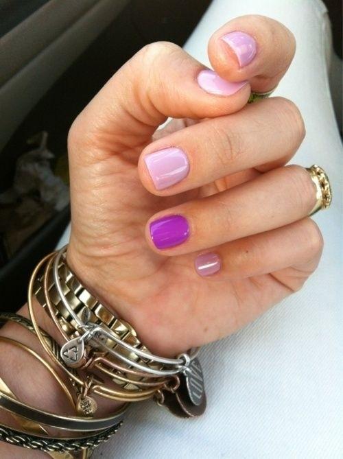 Разноцветные ногти в одной цветовой гамме