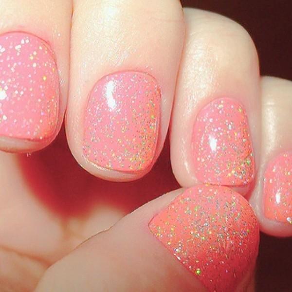 Ногти усыпанные блестками