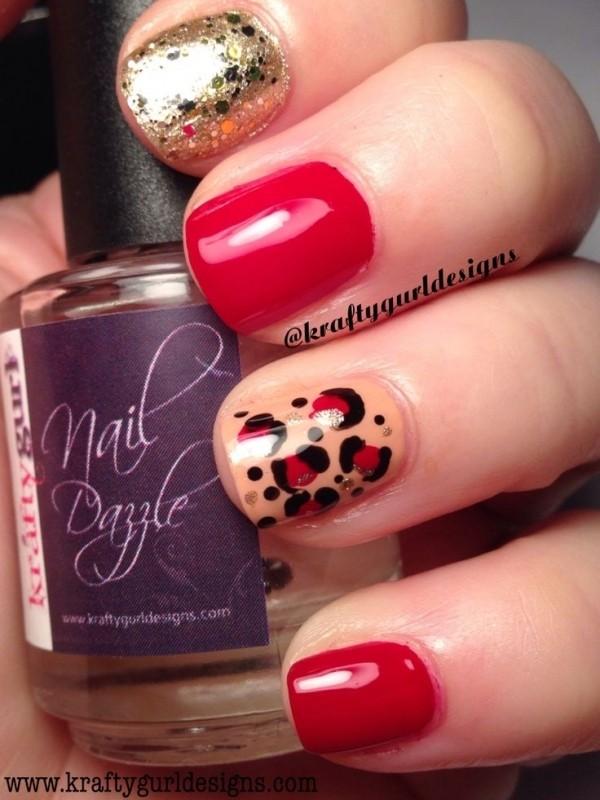 Красный цвет на ногтях