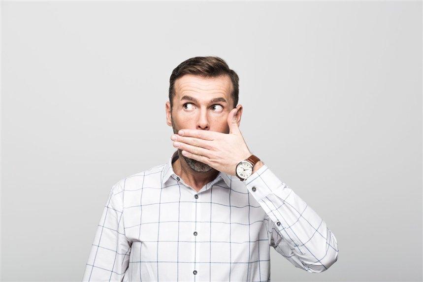 Как сказать ему про запах изо рта