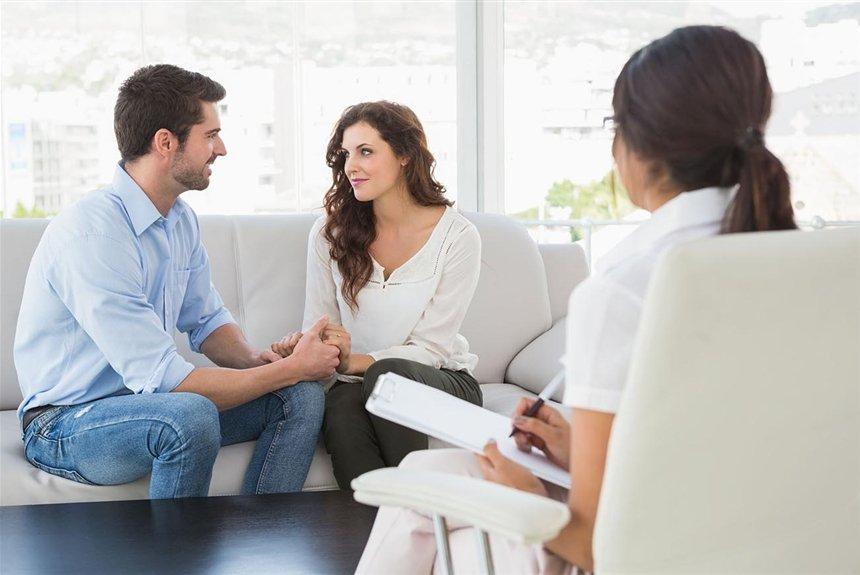 Стоит ли ходить к семейным психологам и чего ждать от такой встречи?