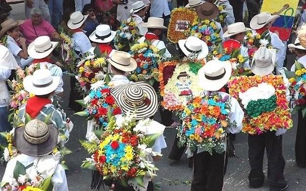 Фестиваль цветов в Медельине
