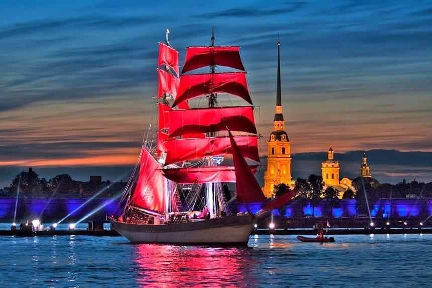 Белые ночи, «Алые паруса»: Санкт-Петербург вновь станет столицей выпускников