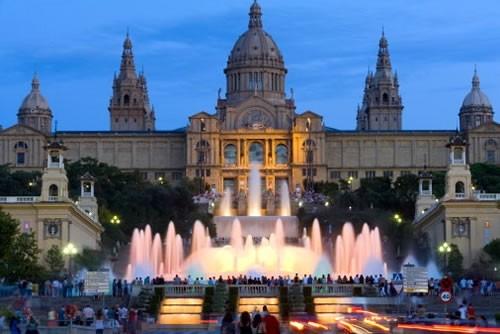 Знаменитые поющие фонтаны