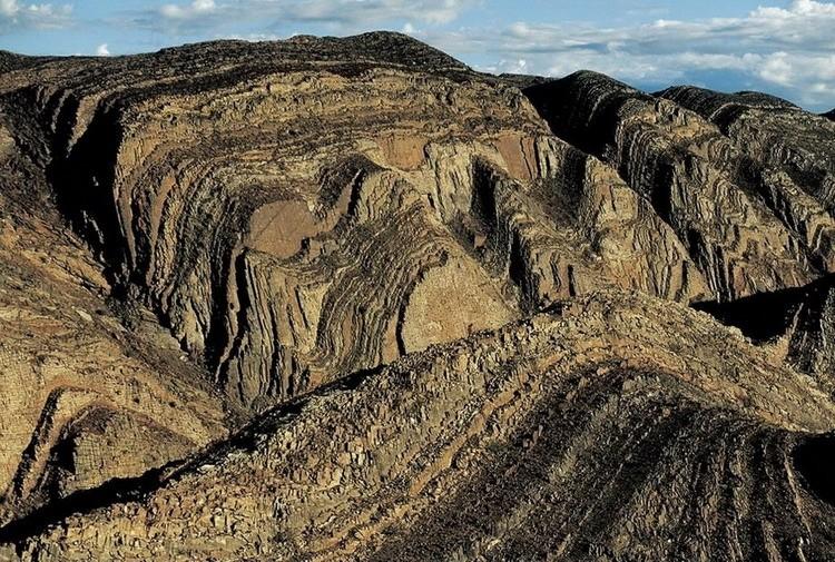 Горы в Западном Брендберге, Намибия