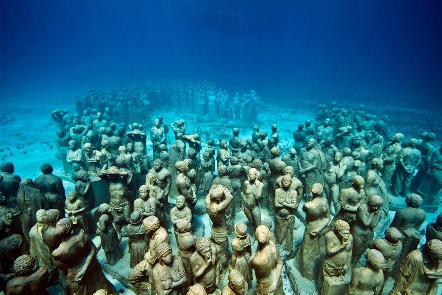6 поразительных подводных музеев мира