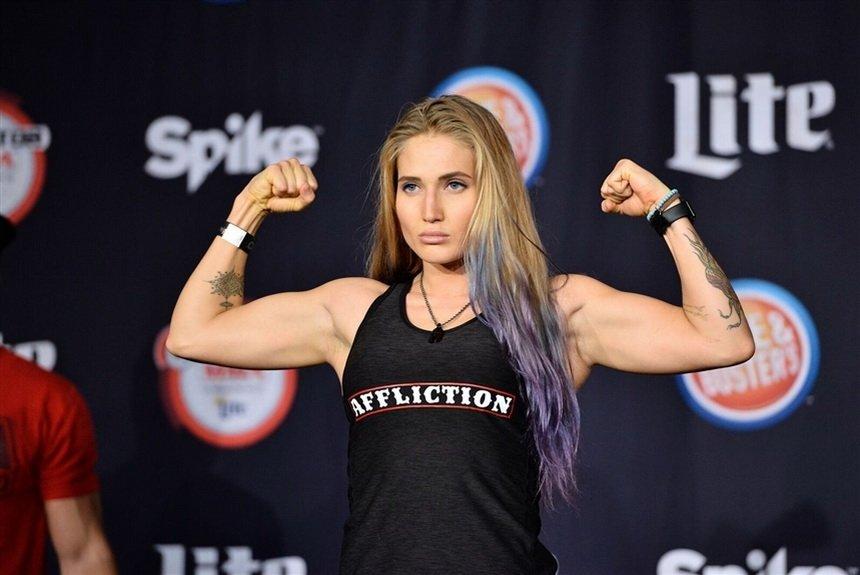 Красота с кулаками: самые известные женщины-бойцы ММА